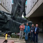u památníku SNP