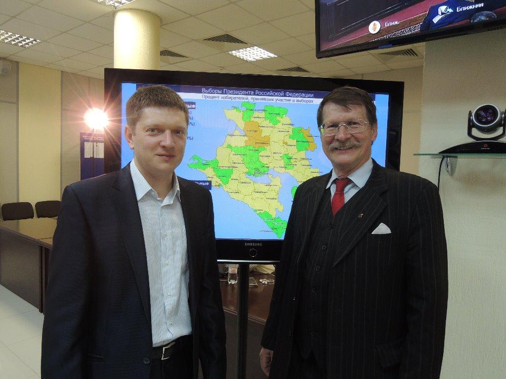 V ústřední volební komisi krasondarského kraje se zástupcem KPRF Sergejem Jakovlevem